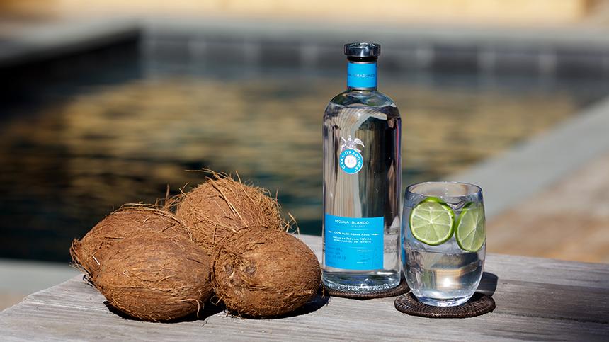 Dragones Coco coconut water cocktail